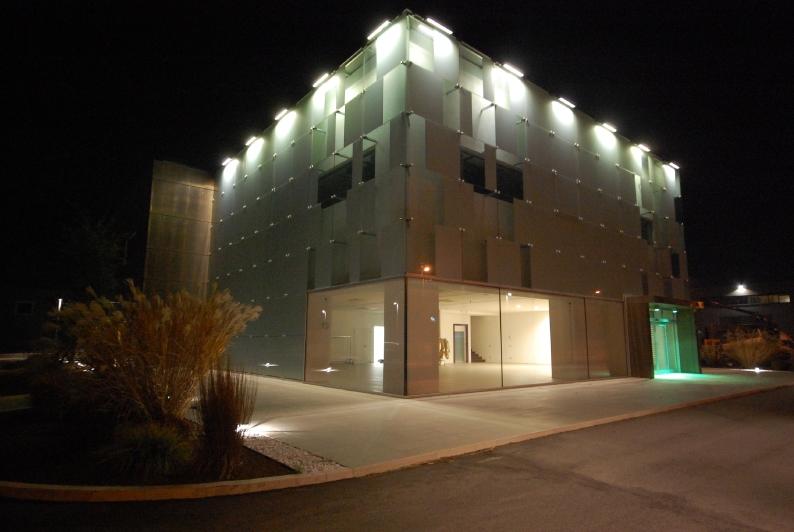 illuminazione-esterno-edifici-industriali-2