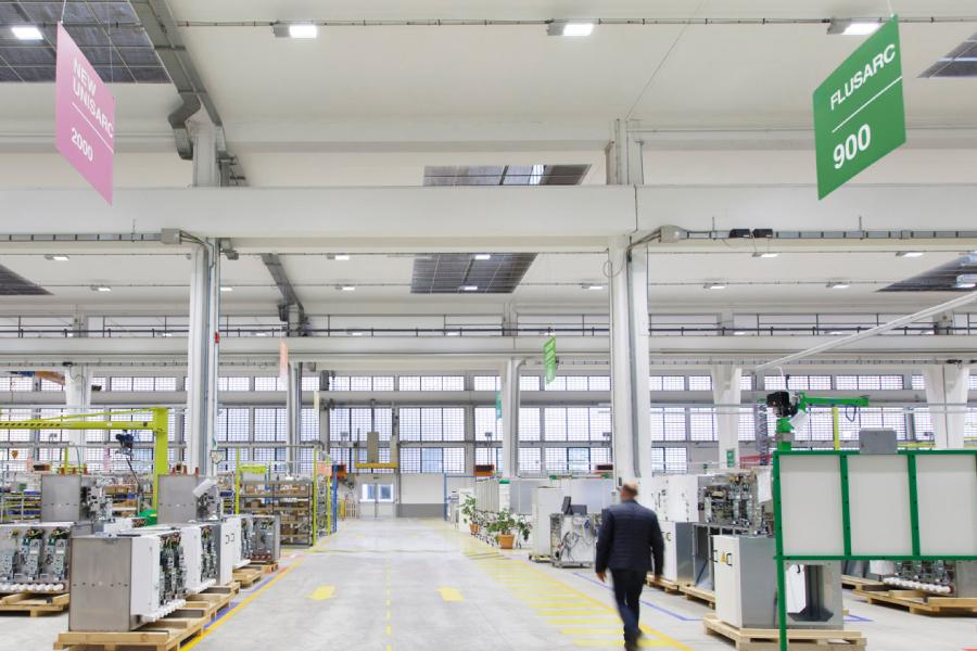 illuminazione interna capannoni industriali